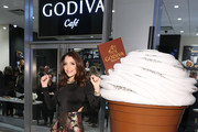 Godiva Debuts Cafe Concept In New York City With Bethenny Frankel & CEO, Annie Young Scrivner