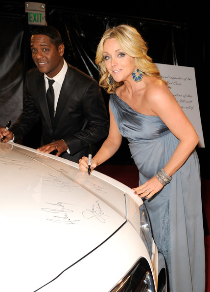 Actress Jane Krakowski arrives at NBCUniversal/Focus Features Golden Globes Viewing and After Party sponsored by Chrysler held at The Beverly Hilton hotel on January 16, 2011 in Beverly Hills, California.