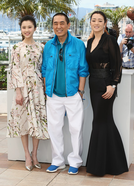 'Coming Home' Photo Call at Cannes [coming home photocall,coming home,fashion,fashion design,event,haute couture,suit,dress,formal wear,style,yimou zhang,huiwen zhang,gong li,photocall,l-r,cannes,france,cannes film festival]