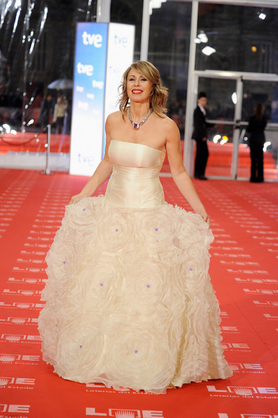 Spanish actress Miriam Diaz Aroca arrives to the 2011 edition of the 'Goya Cinema Awards' ceremony at Teatro Real on February 13, 2011 in Madrid, Spain.