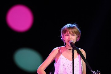 Grace Vanderwaal We Day California 2017 - Show