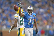 Reggie Bush #21 of the Detroit Lions  reacts to a first down during the fourth quarter of the game against the Green Bay Packers at Ford Field on September 21, 2014 in Detroit, Michigan. The Lions defeated the Packers 19-7.