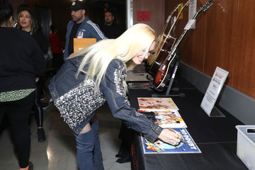 Gwen Stefani 62nd Annual GRAMMY Awards - GRAMMY Charities Signings Day 2