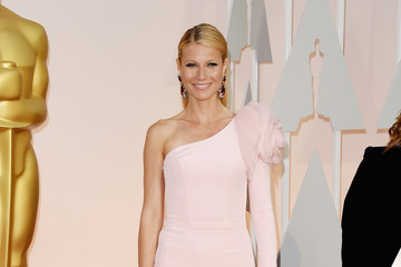 Gwenyth Paltrow Arrivals at the 87th Annual Academy Awards — Part 3