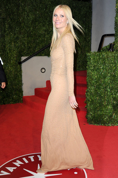 Gwyneth Paltrow Actress Gwyneth Paltrow arrives at the Vanity Fair Oscar party hosted by Graydon Carter held at Sunset Tower on February 27, 2011 in West Hollywood, California.
