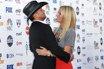 Gwyneth Paltrow Tim McGraw Stand Up To Cancer - Arrivals