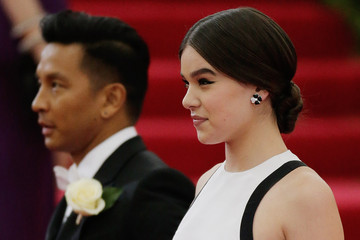 Hailee Steinfeld Red Carpet Arrivals at the Met Gala