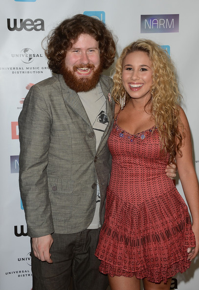 casey-abrams-and-haley-reinhart-dating