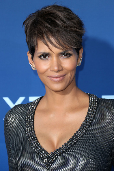 'Extant' Premieres in LA [hair,face,hairstyle,eyebrow,chin,lip,black hair,blond,pixie cut,bangs,arrivals,halle berry,california,los angeles,cbs films,cbs films extant,california science center,premiere]