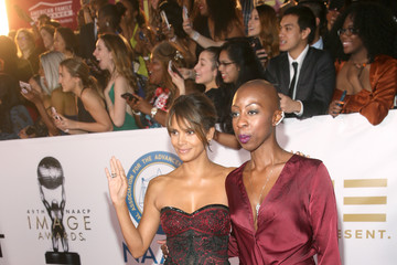 Halle Berry 49th NAACP Image Awards - Red Carpet