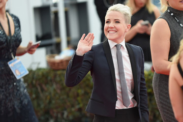 Hannah Hart The 23rd Annual Screen Actors Guild Awards - Red Carpet