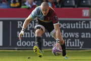 Mike Brown of Harlequins touches down for his sides first try during the European Rugby Challenge Cup match between Harlequins and Agen at Twickenham Stoop on October 13, 2018 in London, United Kingdom.
