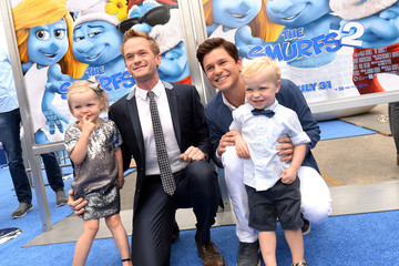 "Harper Grace Burtka-Harris ""SMURFS 2"" - Los Angeles Premiere - Blue Carpet"