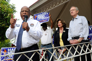 Damone Williams Harry Reid And John Lewis Attend Volunteer Canvass Kickoff