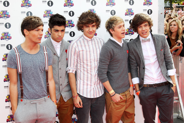 Harry Styles (UK TABLOID NEWSPAPERS OUT) L-R Liam Payne, Zain Malik, Louis Tomlinson, Niall Horan and Harry Styles of One Direction attend the BBC Teen Awards at Wembley arena on October 9, 2011 in London, United Kingdom.