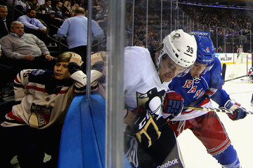 Harry Zolnierczyk Pittsburgh Penguins v New York Rangers