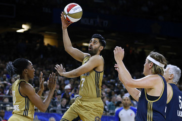 Hasan Minhaj NBA All-Star Celebrity Game 2017
