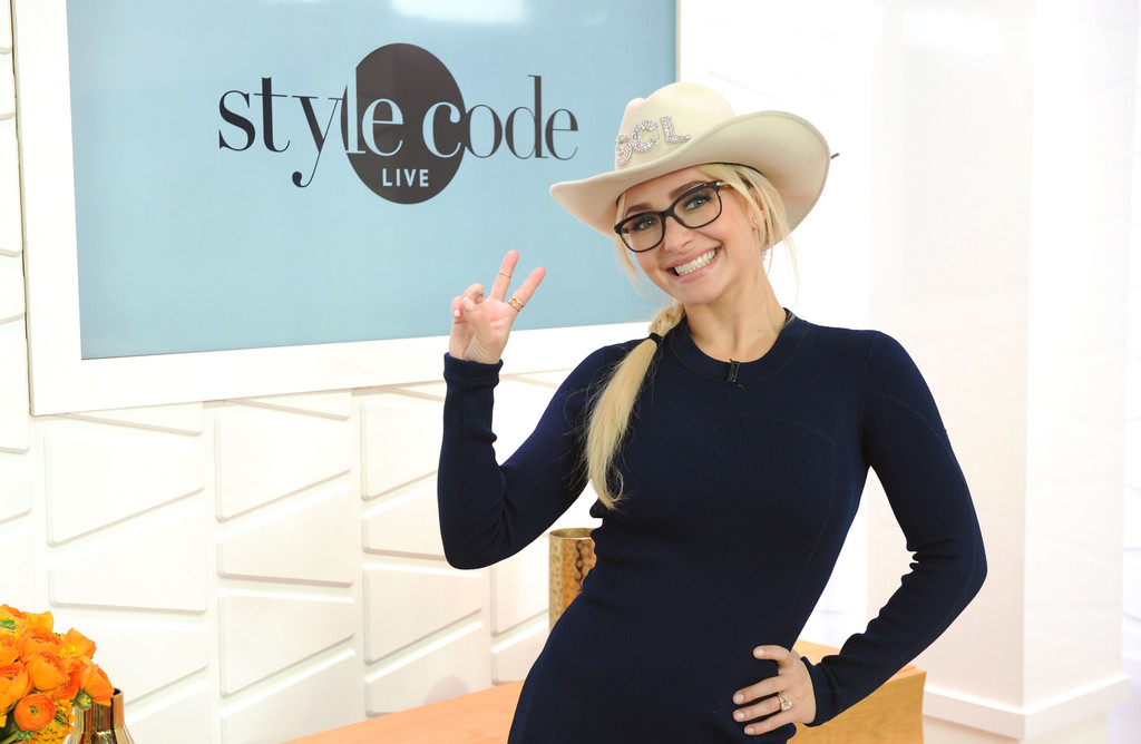 hayden panettiere appears on amazon 39 s style code live 18 of 38 zimbio. Black Bedroom Furniture Sets. Home Design Ideas