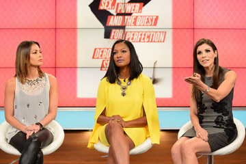 Heather Dubrow Bethenny Frankel Welcomes Guests to Her Talk Show