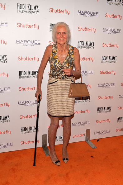 Celebs at Heidi Klum's Annual Halloween Party [clothing,fashion,dress,shoulder,footwear,event,red carpet,cocktail dress,carpet,award,shutterfly presents heidi klum,new york city,shutterfly,halloween at marquee in new york,marquee]