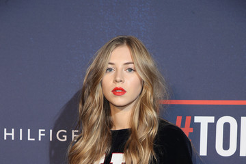 Hermione Corfield Tommy Hilfiger TOMMYNOW Fall 2017 - Front Row & Atmosphere