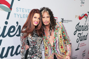 Hilary Roberts Steven Tyler's Third Annual GRAMMY Awards Viewing Party To Benefit Janie's Fund Presented By Live Nation - Red Carpet