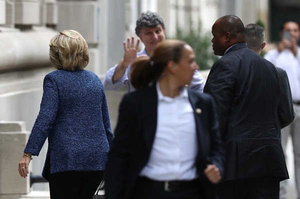 http://www2.pictures.zimbio.com/gi/Hillary+Clinton+Presidential+Candidate+Hillary+13PiRpPg4a5l.jpg