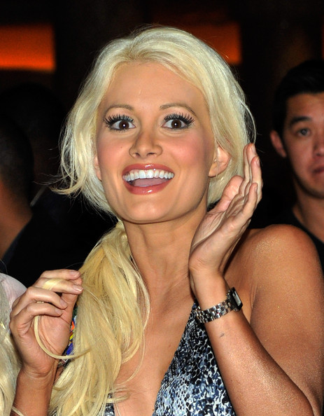 - Holly Madison Ne Yo Celebrates 28th Birthday wOFa1il4Pwvl