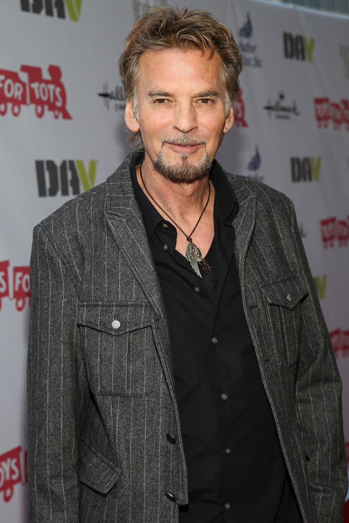Kenny Loggins Photos Photos - Arrivals at the Hollywood Christmas ...