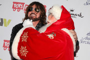 Billy Ray Cyrus - Santa Claus Loves Celebrities