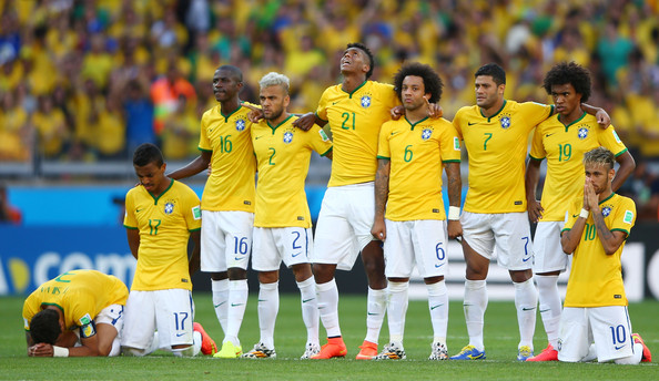 Brazil v Chile: Round of 16 - 2014 FIFA World Cup Brazil [player,team,team sport,sport venue,football player,soccer player,football,championship,sports,sports equipment,brazil v chile: round of 16-2014 fifa world cup brazil,brazil,luiz gustavo,thiago silva,marcelo,penalty,l-r,willian and neymar of brazil look on during,belo horizonte,fifa world cup brazil round of 16 match between brazil and chile at estadio mineirao on june]