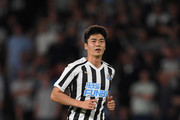 Newcastle's new free signing Sung-Yeung Ki in action during a pre-season friendly match between Hull City and Newcastle United at KCOM Stadium on July 24, 2018 in Hull, England.