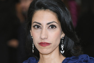 "Huma Abedin ""Rei Kawakubo/Comme des Garcons: Art of the In-Between"" Costume Institute Gala - Arrivals"
