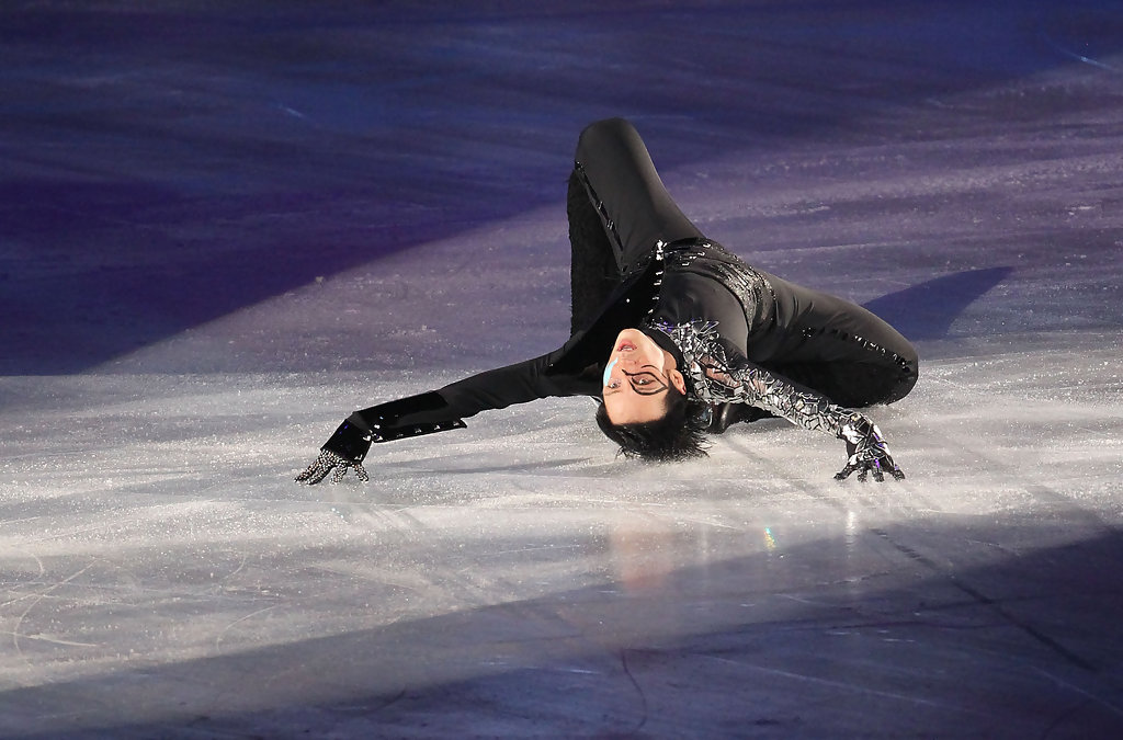Johnny weir apparently not too spangly for the good people of oak lawn