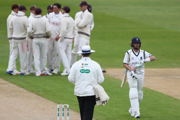 Ian Bell Warwickshire v Surrey - Specsavers County Championship: Division One
