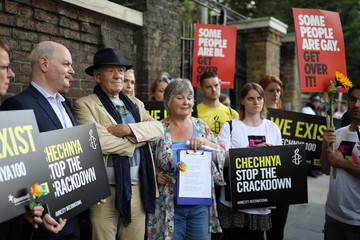 Ian McKellen Amnesty Lead Protests Against LGBTI Crackdown in Chechnya