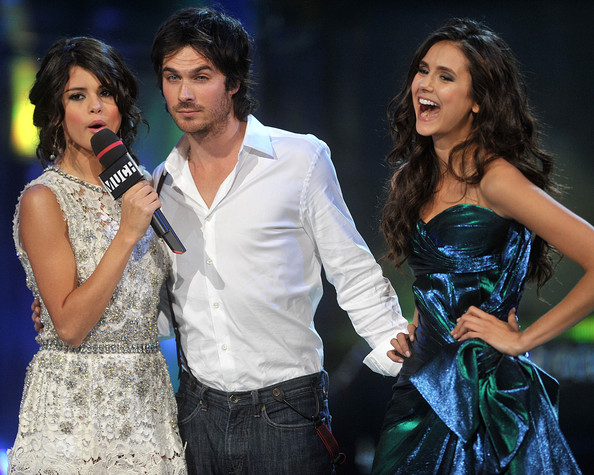 http://www2.pictures.zimbio.com/gi/Ian+Somerhalder+2011+MuchMusic+Video+Awards+nJ6YBdfj0HYl.jpg
