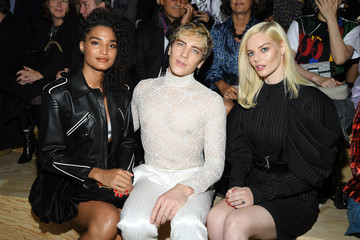 Indya Moore Louis Vuitton : Front Row - Paris Fashion Week - Womenswear Spring Summer 2020