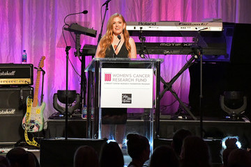 Isla Fisher WCRF's 'An Unforgettable Evening' Presented By Saks Fifth Avenue - Inside