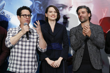 J.J. Abrams Oscar Isaac 'Star Wars: The Rise of Skywalker' Press Conference In Tokyo