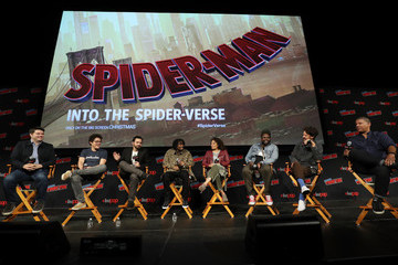 Jake Johnson Cast And Filmmakers From 'SPIDER-MAN: INTO THE SPIDER-VERSE' At New York's Comic Con