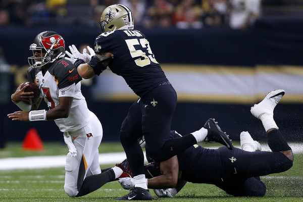 http://www2.pictures.zimbio.com/gi/Jameis+Winston+Tampa+Bay+Buccaneers+v+New+7xh5zWnrMACl.jpg
