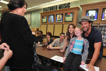 James Reynolds Greg Vaughan 'Days of Our Lives' Book Signing - Oak Park Mall Barnes and Noble