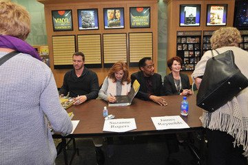 James Reynolds Suzanne Rogers 'Days of Our Lives' Book Signing - Oak Park Mall Barnes and Noble