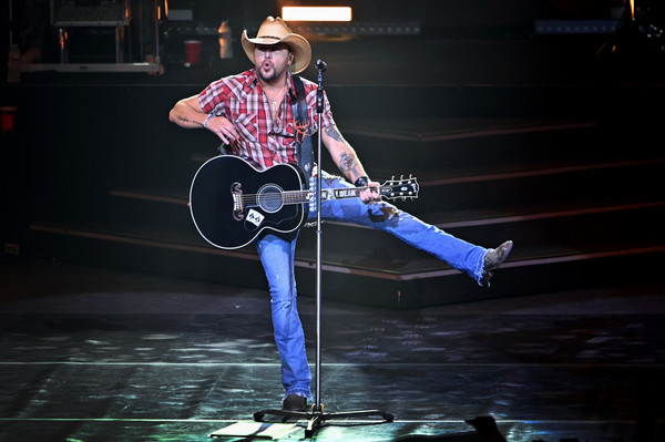 "Jason Aldean Launches Three-Night ""JASON ALDEAN: RIDE ALL NIGHT VEGAS"""