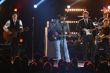 Jason Aldean The 50th Annual CMA Awards - Show