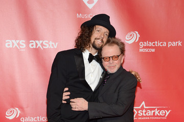 Jason Mraz The 2013 MusiCares Person Of The Year Gala Honoring Bruce Springsteen - Arrivals