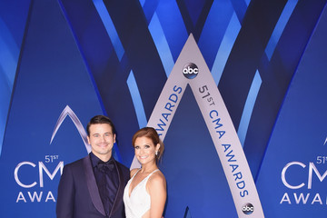 Jason Ritter Joanna Garcia-Swisher The 51st Annual CMA Awards - Arrivals