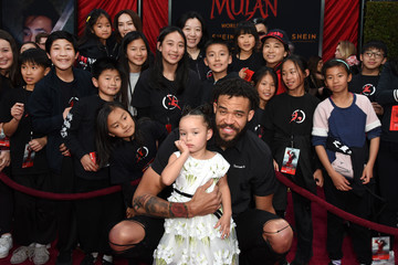 "Javale Mcgee Disney's ""Mulan"" World Premiere - Red Carpet - Fan Pen"