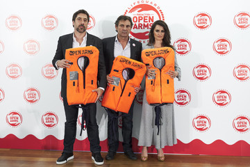 Javier Bardem Penelope Cruz Javier Bardem And Penelope Cruz Raise Funds For Open Arms